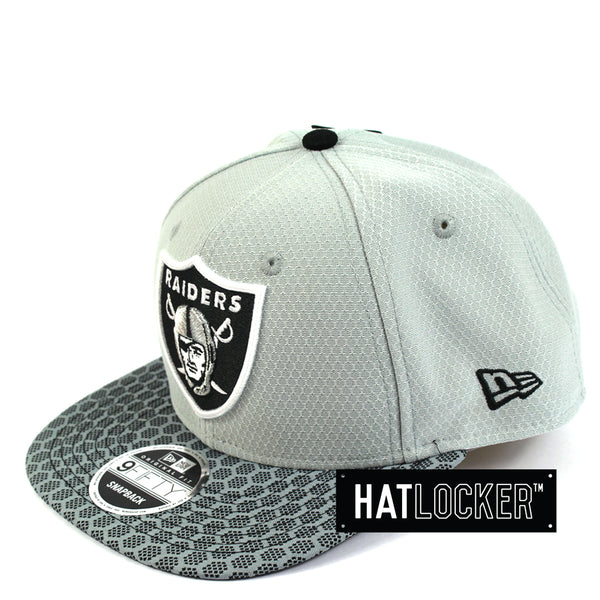 New Era - Oakland Raiders 2017 Official Sideline Snapback