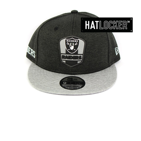 New Era Oakland Raiders 2018 Official Sideline Snapback Cap
