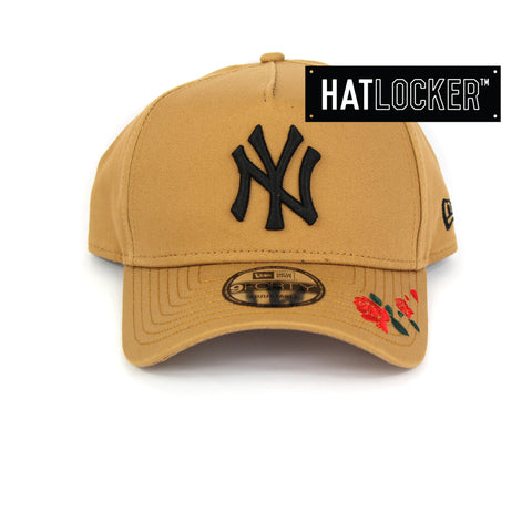 New Era New York Yankees Rose Embroidered Wheat Curved Snapback