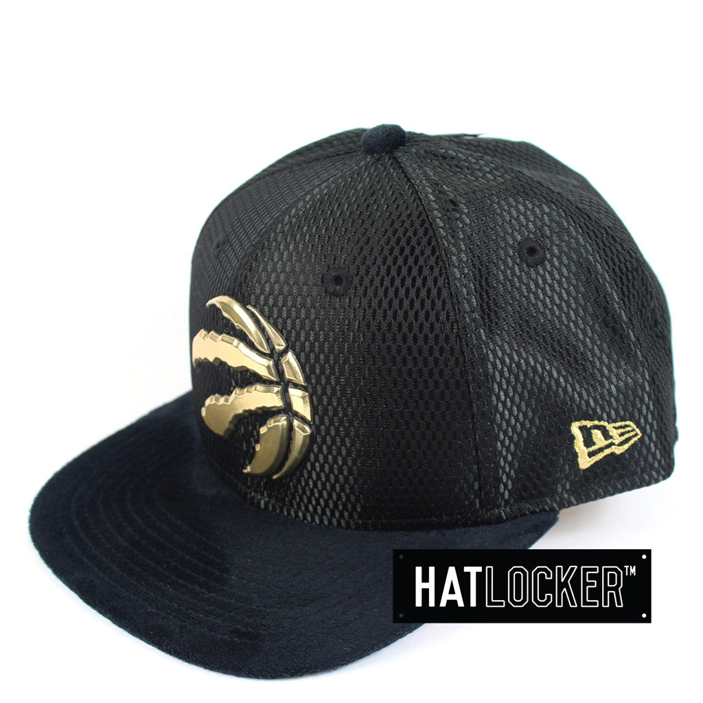 b921168ecef New Era - Toronto Raptors On-Court Black Gold Snapback