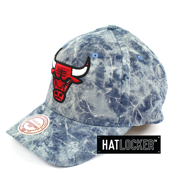 Mitchell And Ness Chicago Bulls Acid Denim Curved Snapback Hat
