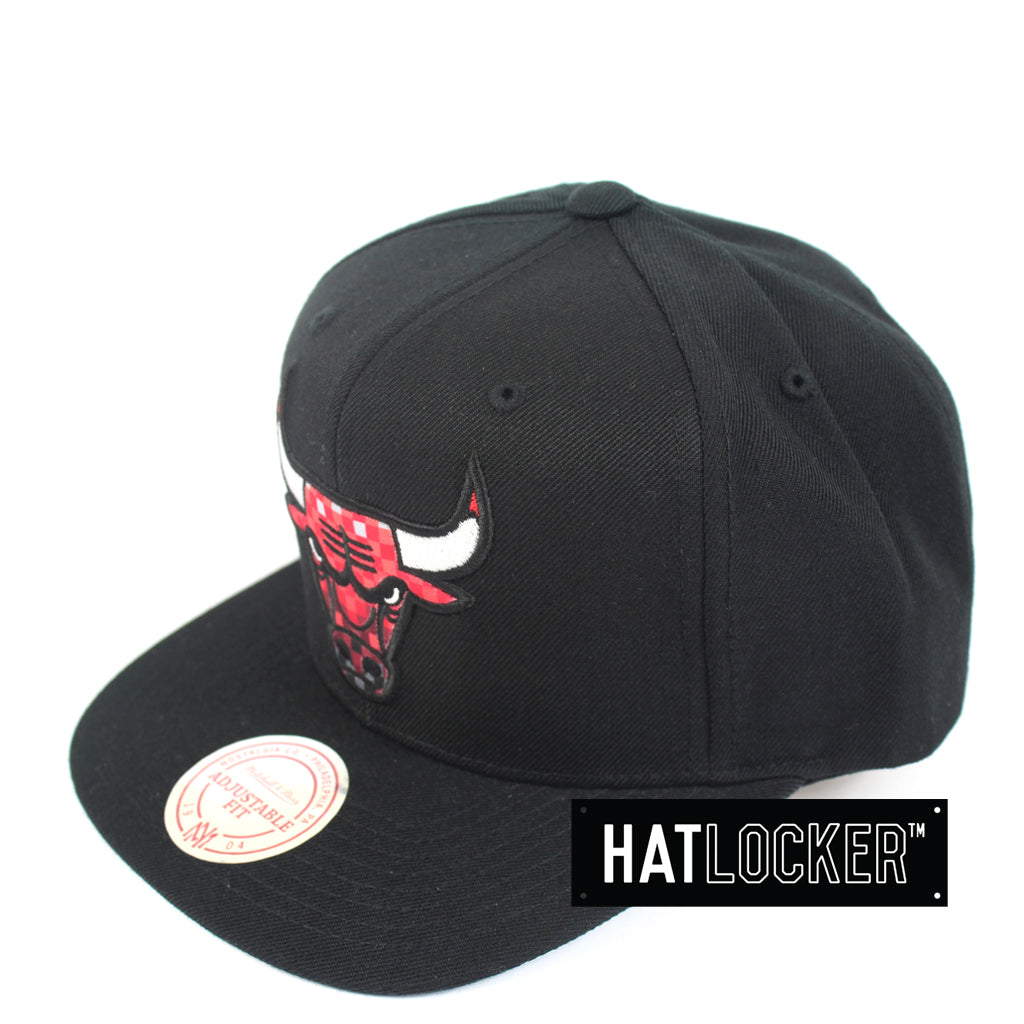 Mitchell & Ness Chicago Bulls Three Digital Snapback