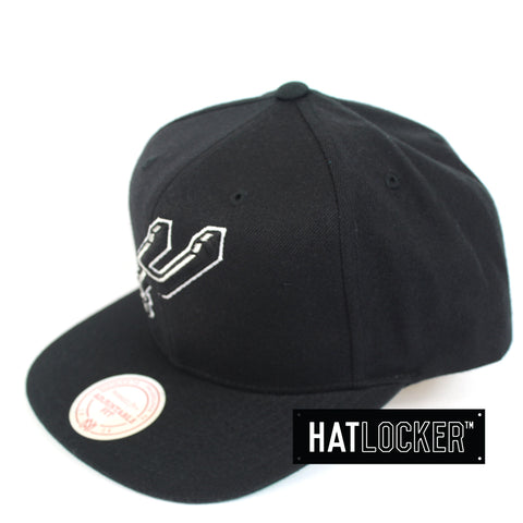 Mitchell And Ness San Antonio Spurs Wool Solid Snapback Hat