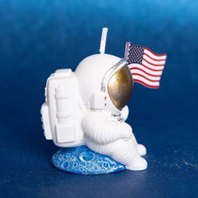 Load image into Gallery viewer, Landing Astronaut Candle