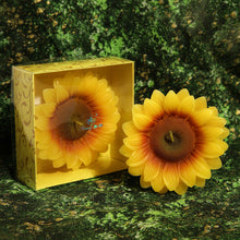 Load image into Gallery viewer, Sunflower Candle