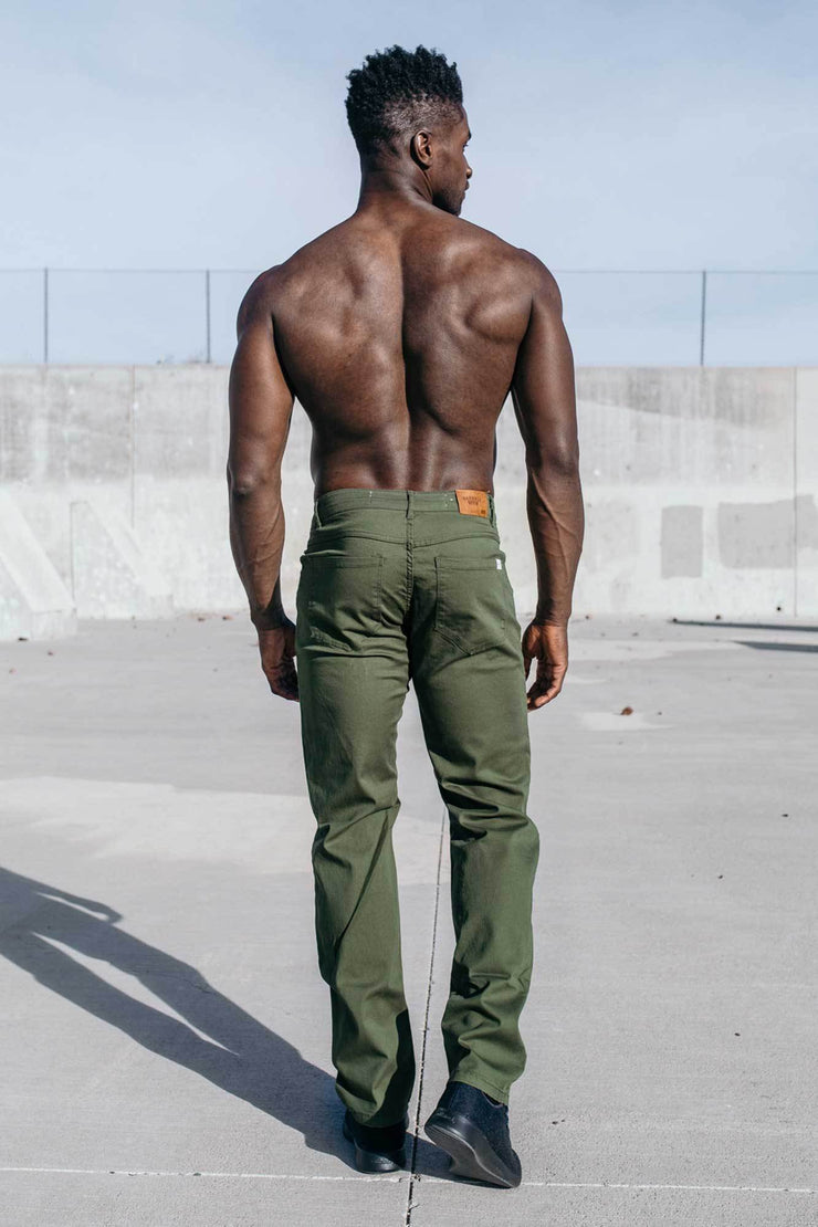 Athletic Chino Pant in Drab
