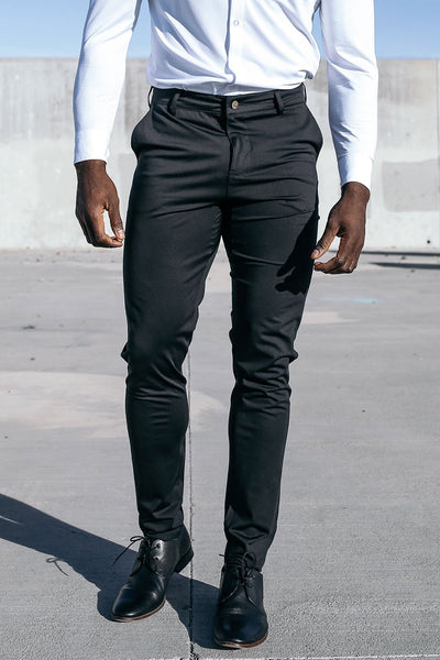 Motive Pant in Black