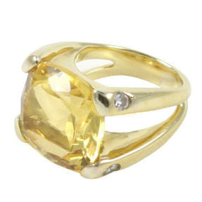 18kt Yellow Gold Large Cushion Ring with Citrine and Diamond