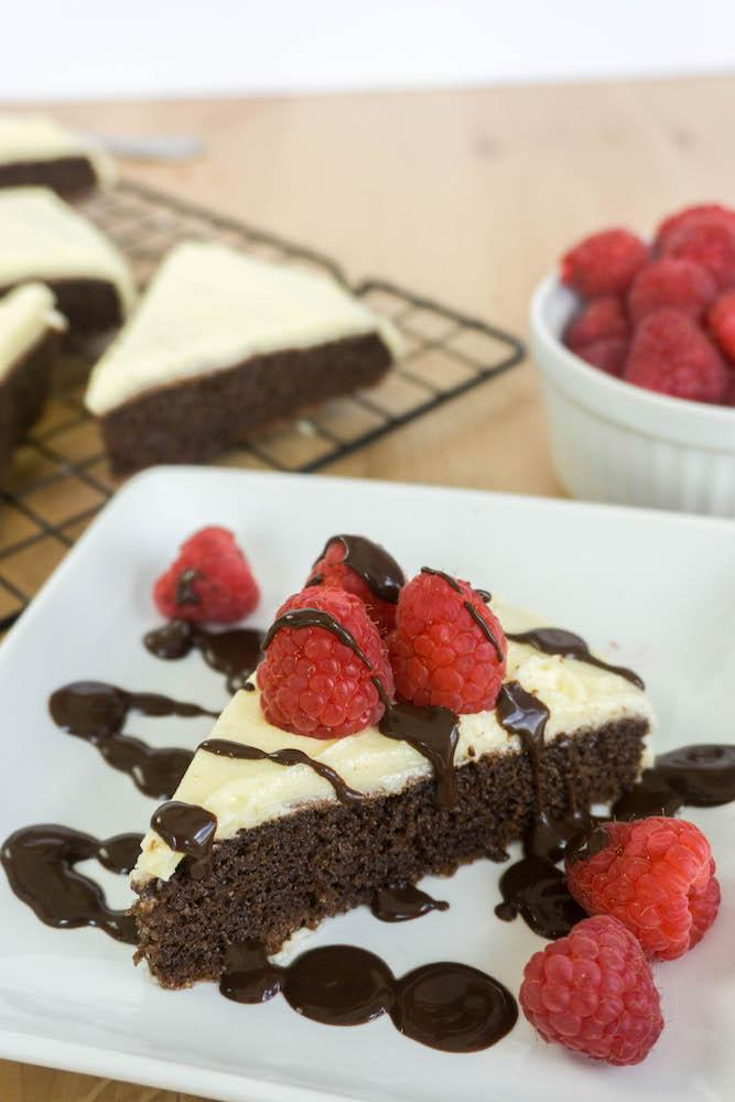 products/Low_carb_Chocolate_Cake_3.jpg
