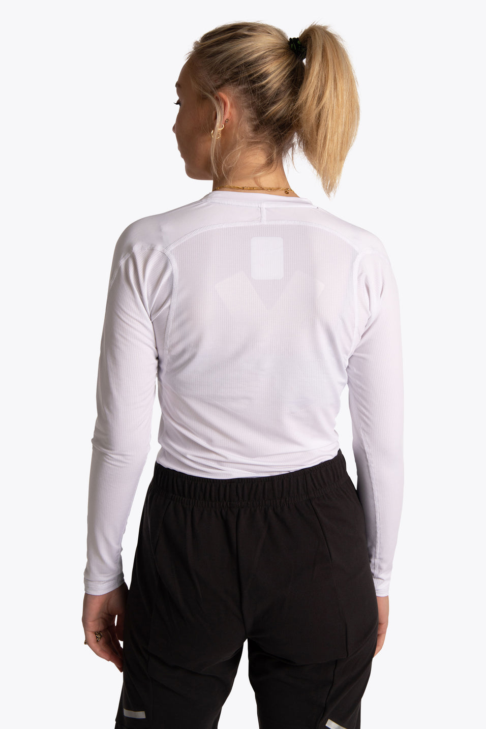Osakaworld women base layer white