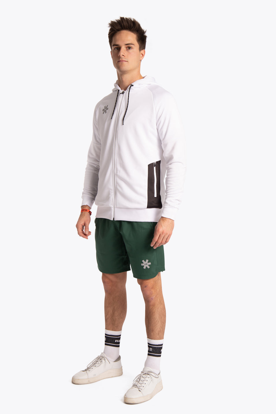 Osakaworld sports outfit white