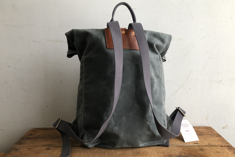 Day Pack | Charcoal | Bradley Mountain - Manready Mercantile