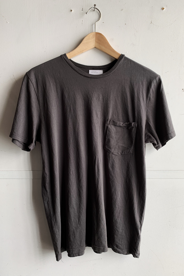Basic Pocket Tee | Shale | Manready Mercantile