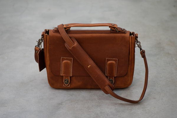 Americana Messenger #201 | Chestnut | Coronado Leather