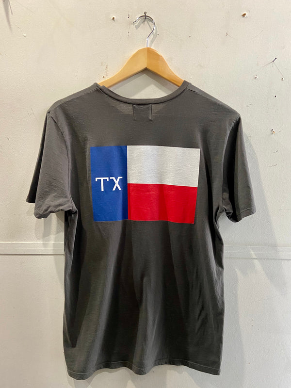 Graphic Pocket Tee | TX Flag | Charcoal | Manready Mercantile