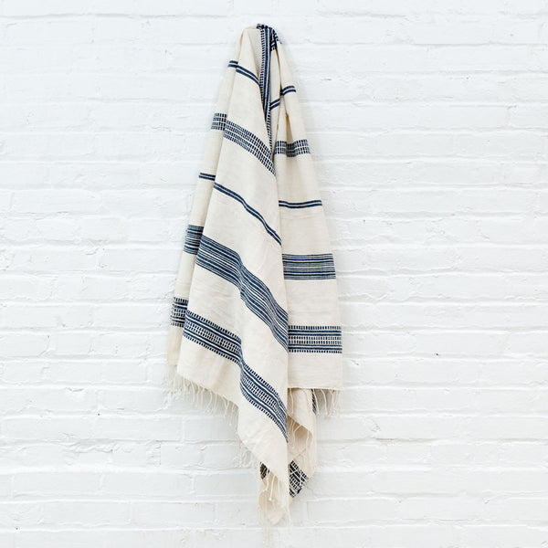 Aden Cotton Bath Towel - Natural w Navy