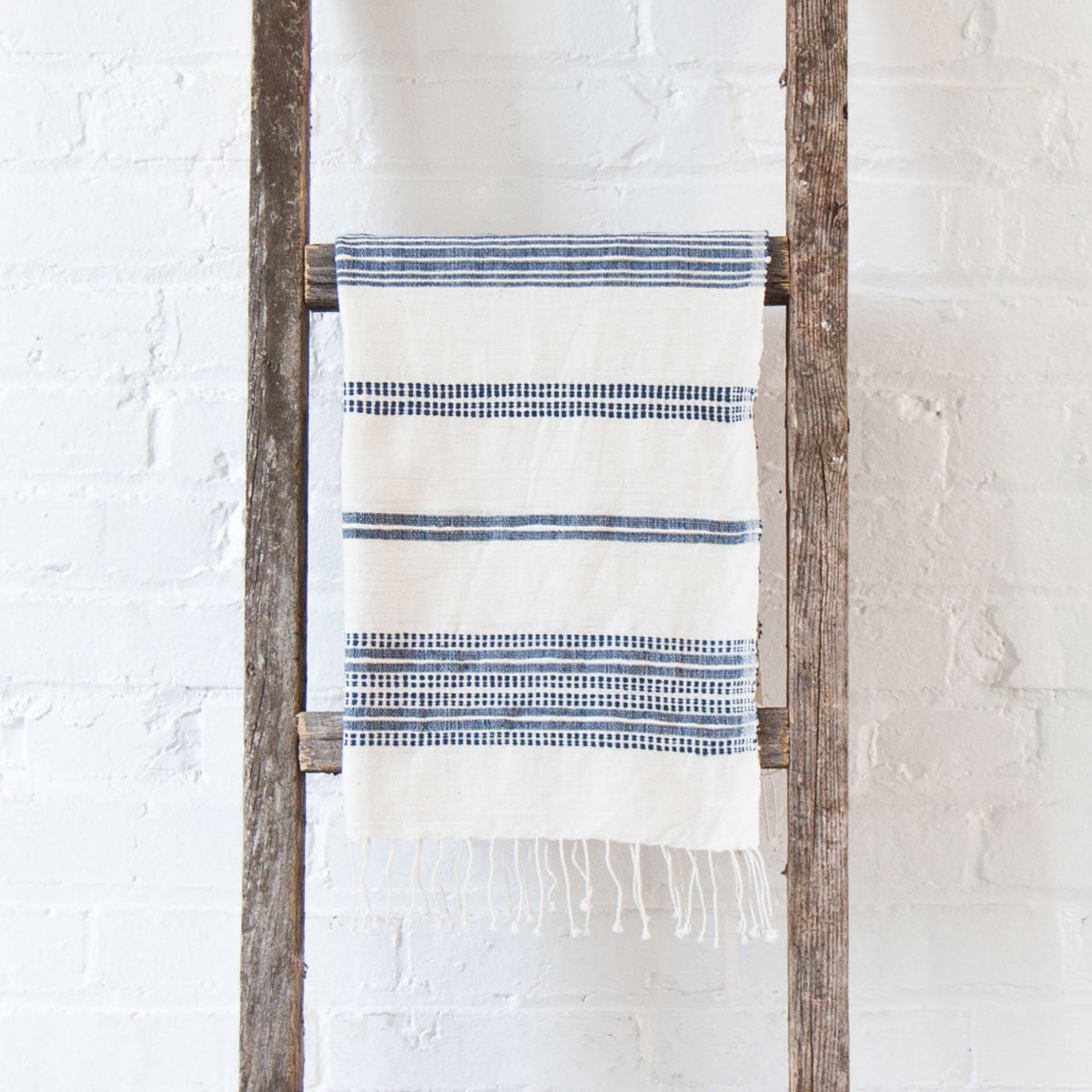 Aden Cotton Hand Towel - Natural w Navy
