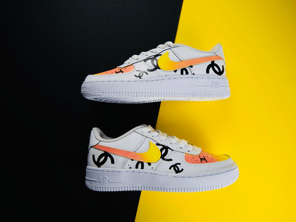 custom air force 1 Air Force one custom  Custom nike  Chaussures personnalisée Customiser chaussures  Air Force one comme des garçons  Customiser basket  Basket personnalisée  Personnaliser chaussures Adidas stan smith coco chanel