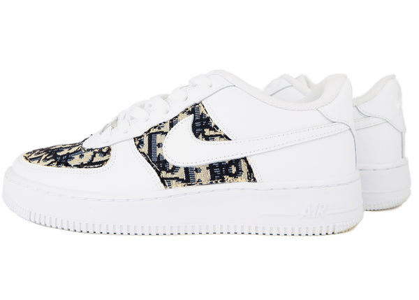 custom air force 1 Air Force one custom  Custom nike  Chaussures personnalisée Customiser chaussures  Air Force one comme des garçons  Customiser basket  Basket personnalisée  Personnaliser chaussures Adidas stan smith af1 custom dior couture black noir red