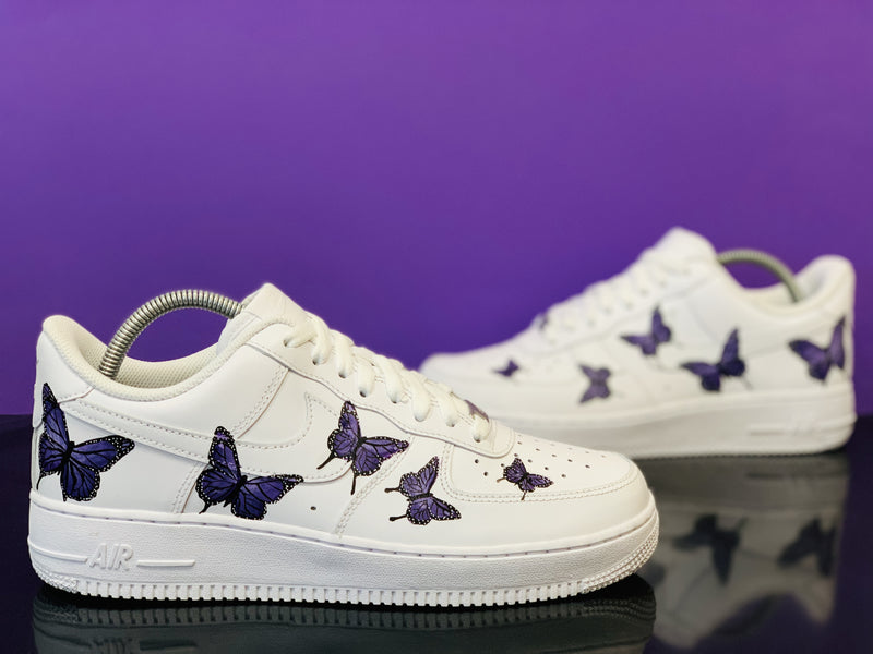 custom air force 1 Air Force one custom  Custom nike  Chaussures personnalisée Customiser chaussures  Air Force one comme des garçons  Customiser basket  Basket personnalisée  Personnaliser chaussures papillon butterfly violet marylouleloup