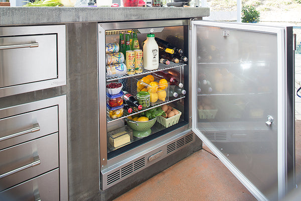 The Alfresco one door refrigerator is designed to give you optimal space, consitent temperature, and easily converts into a Keggerator.