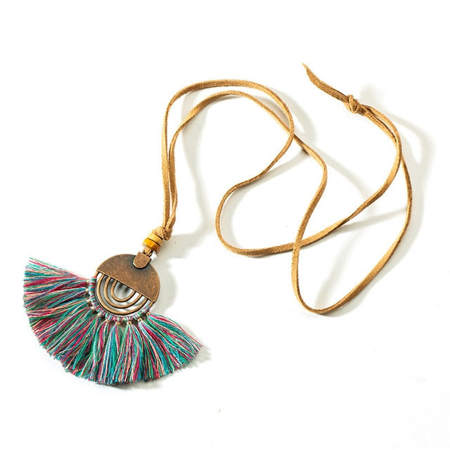Ethnic Bohemia Tassel Round Hollow Necklace