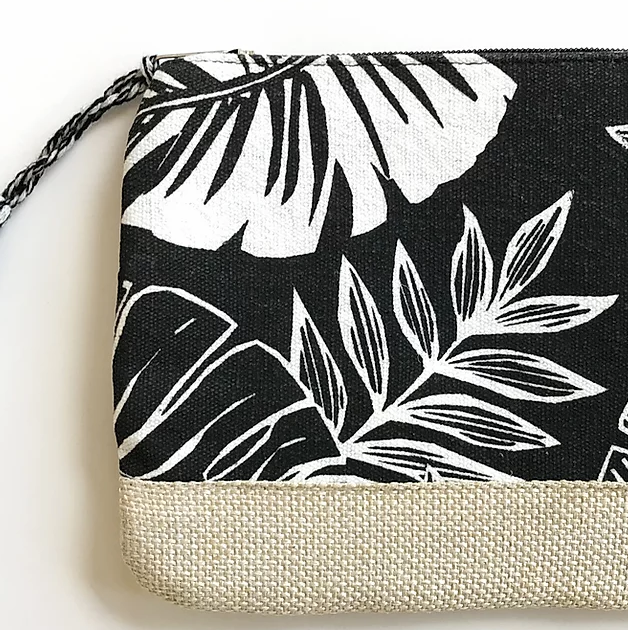 Tropical Leaf Pouch in Black