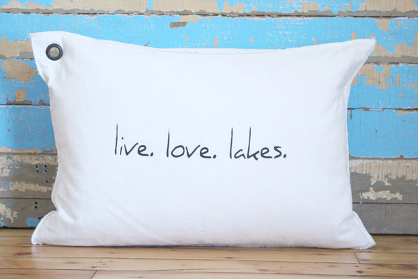 live. love. lakes. pillow