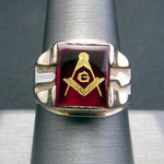 Solid 10K Yellow White Gold Syn Red Ruby Masonic Arrow Mens Vintage Ring - Size 9 - DJR Exchange