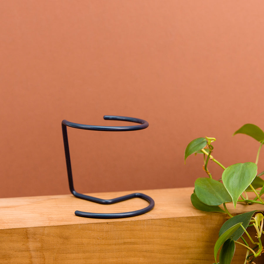 Wire Plant Pot - Circle: Grey