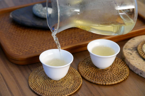 pouring tea in cups