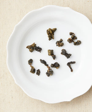 dong ding oolong tea dry leaf