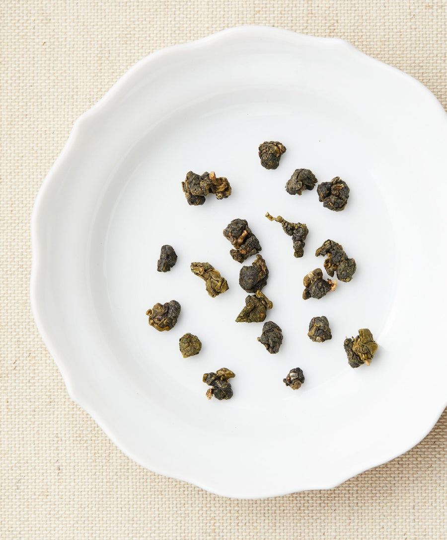 alishan oolong tea dry leaf