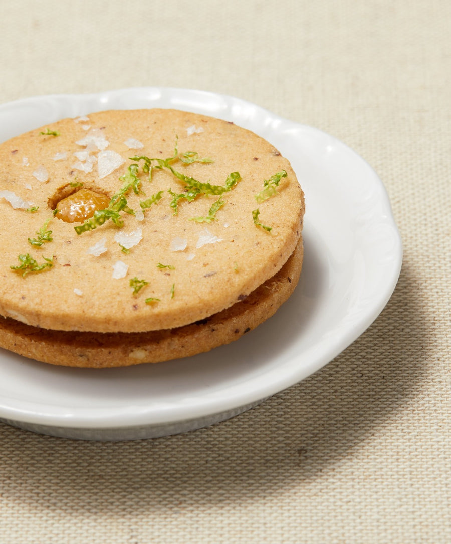 new york pineapple linzer cookie