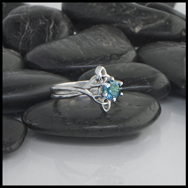 Montana Sapphire Interlocking Wedding Set