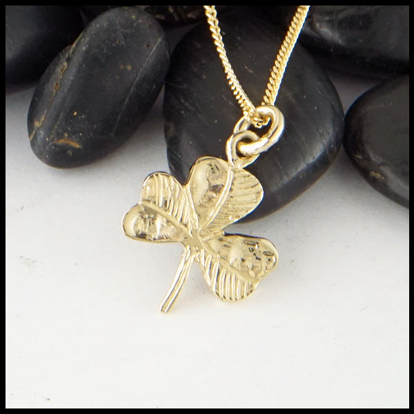 Simple Shamrock Necklace in Gold