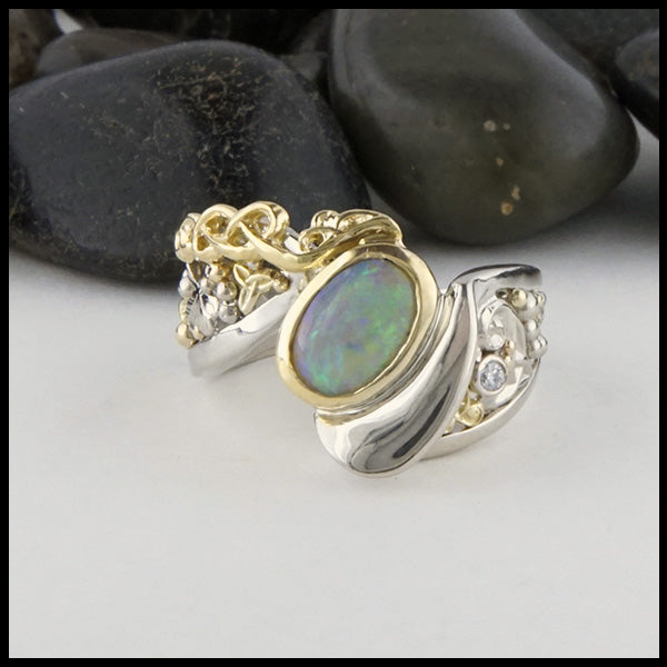 Face view of Celtic Oval Opal ring