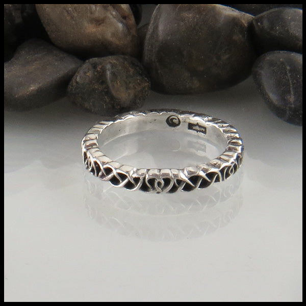 Heart knot ring in Silver