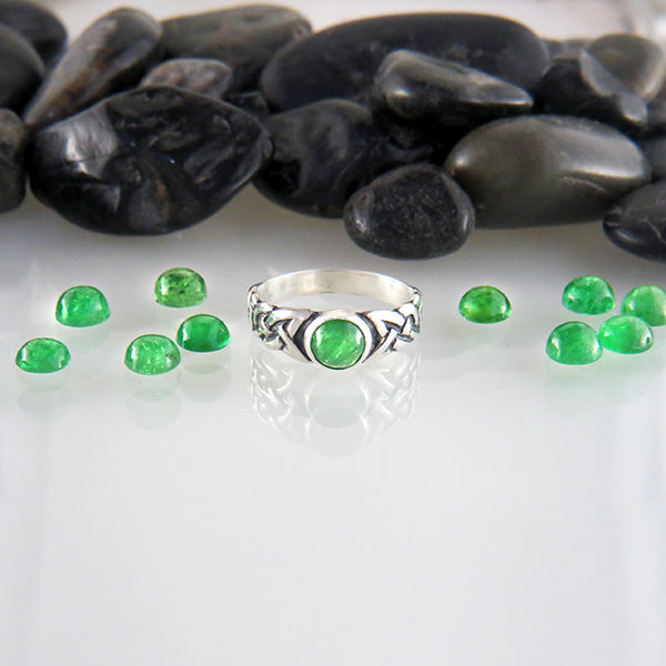 Sterling Silver Celtic Ban Tigherna Ring with Tsavorite Garnet