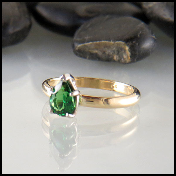 Pear Tsavorite Garnet in 14K Yellow Gold
