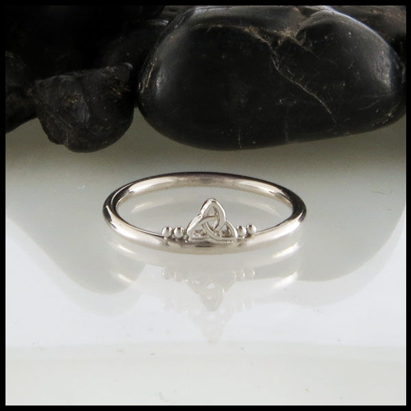 Narrow Trinity Knot Stacking Ring
