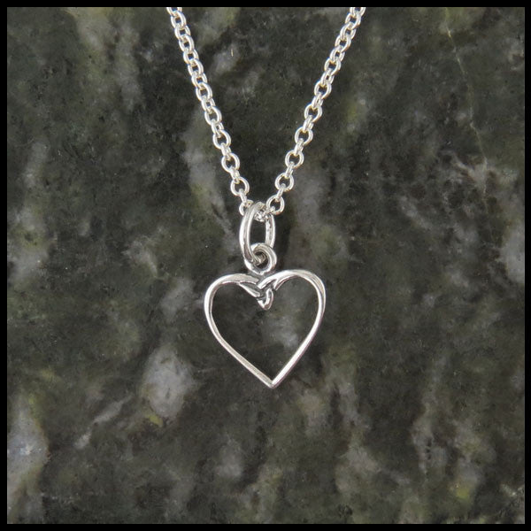 Dainty Celtic heart necklace in Sterling Silver