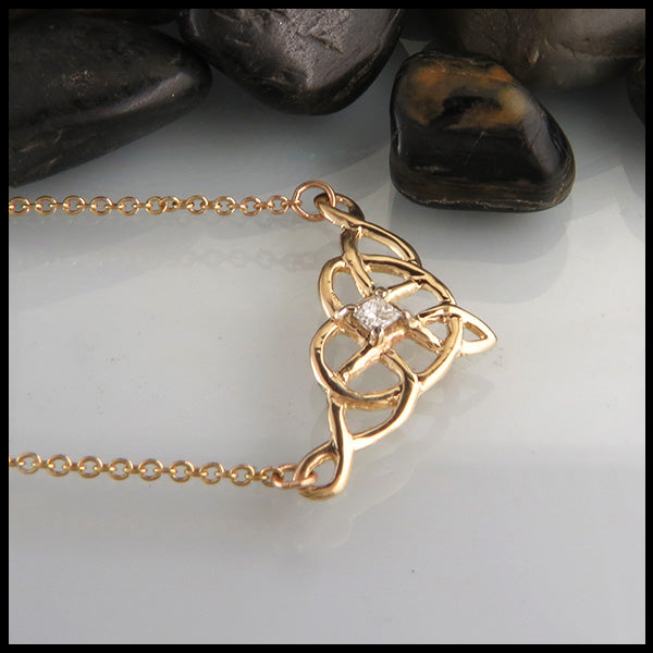 Heart Knot Necklace in Gold with Diamond