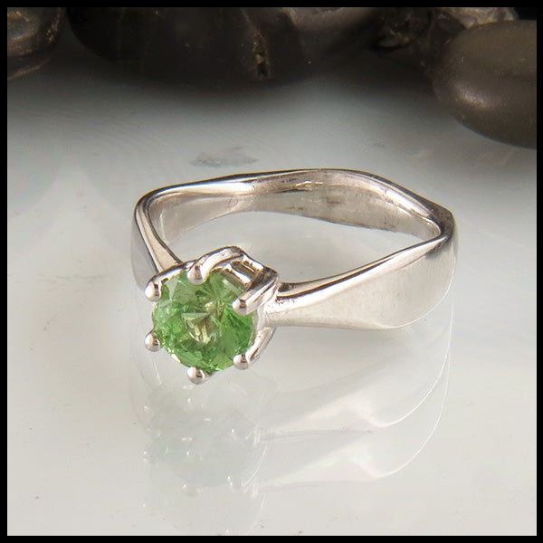 White Gold Ring with Mint Merelani Garnet