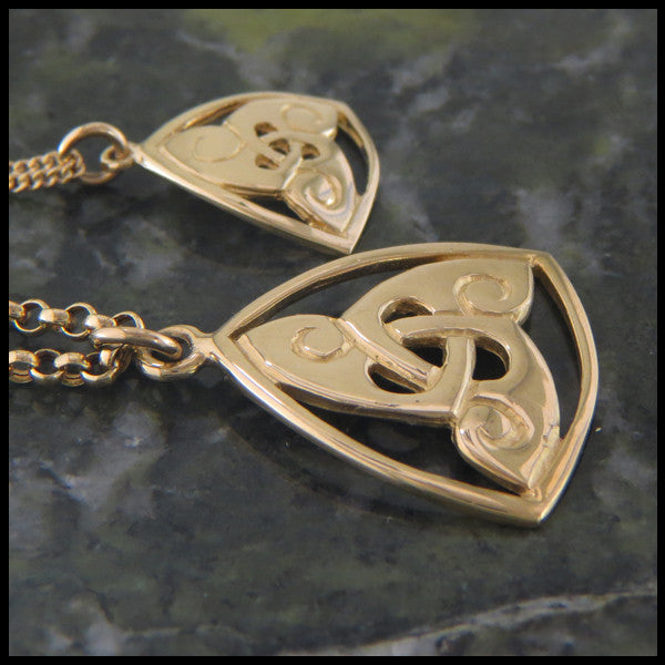 Celtic Triskele pendant in 14K Gold