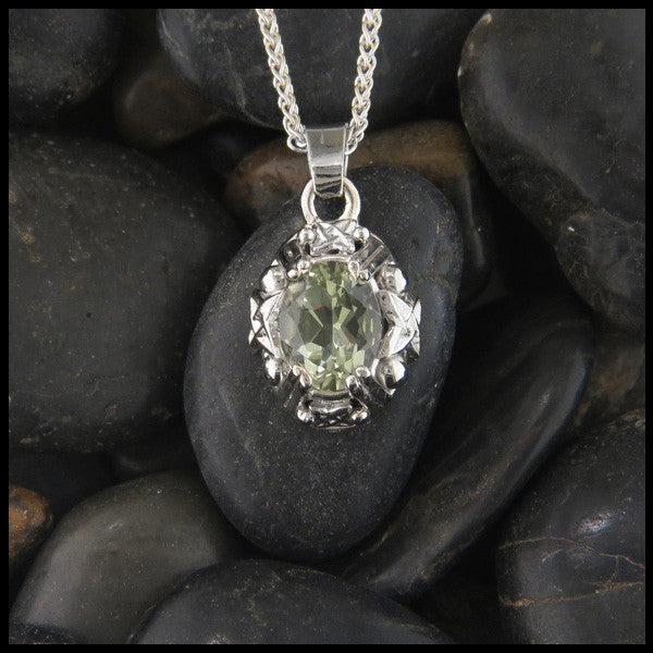 Celtic Quartz pendant in White Gold