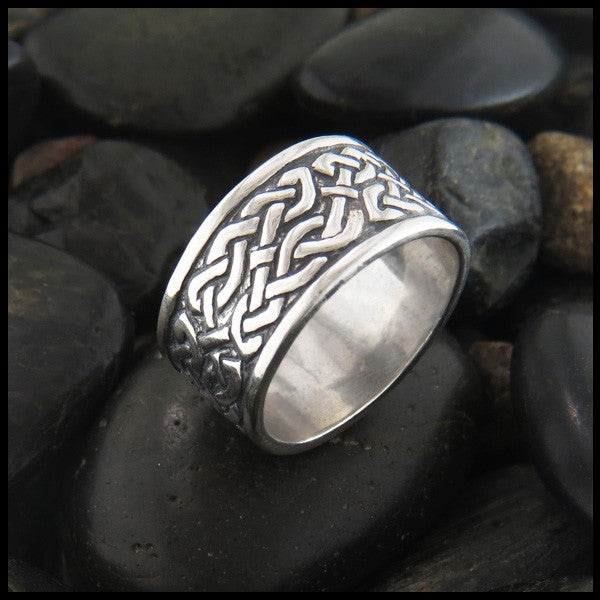 Wide St. Andrew's Knot Band Ring in Sterling Silver