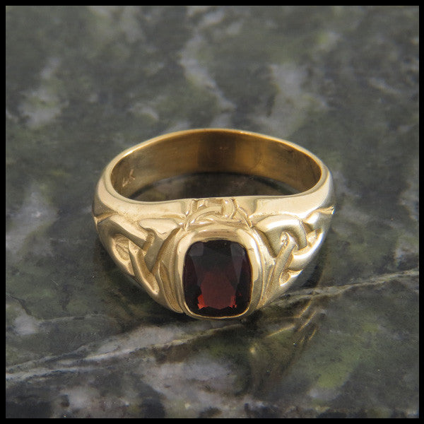 Trinity Knot Ring in 14K Gold with Garnet