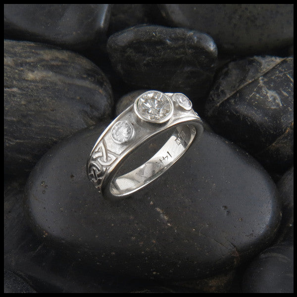 Three Stone Tapered Celtic Knot Ring in 14K Gold