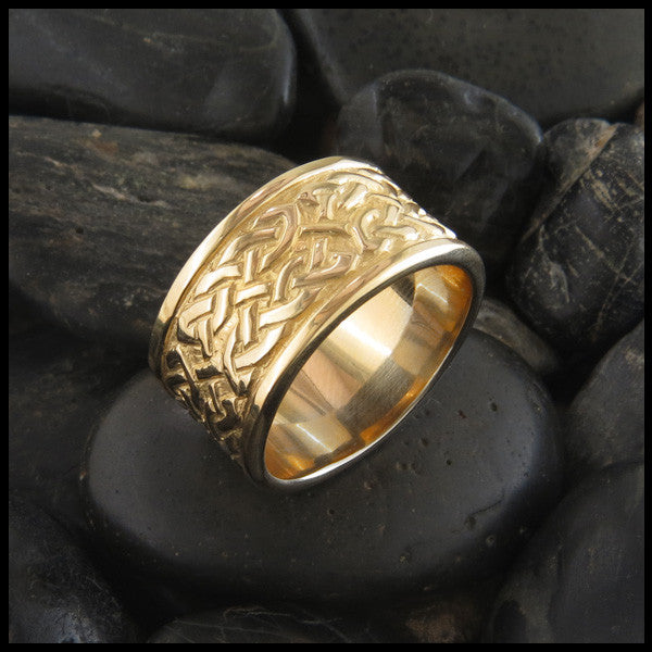 Wide St. Andrew's Knot Band Ring in 14K Gold